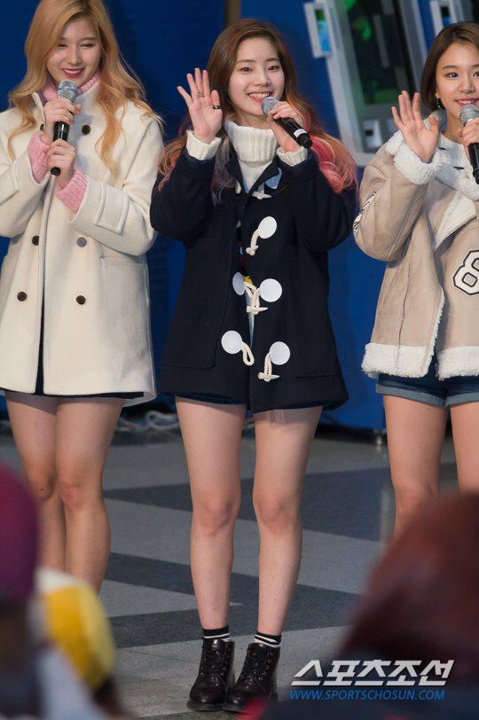 「JYP所属歌手と共に」に出演したTWICEサナ ダヒョン チェヨン